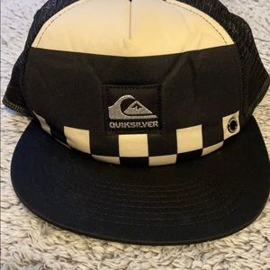 Quicksilver trucker hat